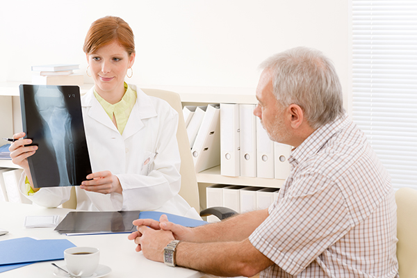 Chiropractic Care versus Traditional Medical Care-600